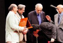 تصویر از درگذشت خواننده ای که شجریان بر دستانش بوسه زد