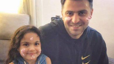 محیا اسناوندی با خواهر زاده علی ضیاء عکس گرفت.
