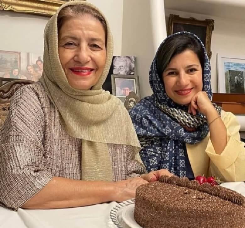 لیلی رشیدی تولد ۴۸ سالگی را با مادرش جشن گرفت.