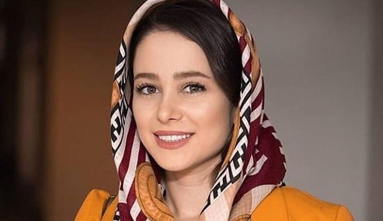 الناز حبیبی عکس گرفت.