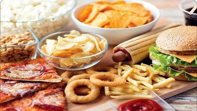 این خوراکی های خوشمزه چهره شما را پیر میکند
