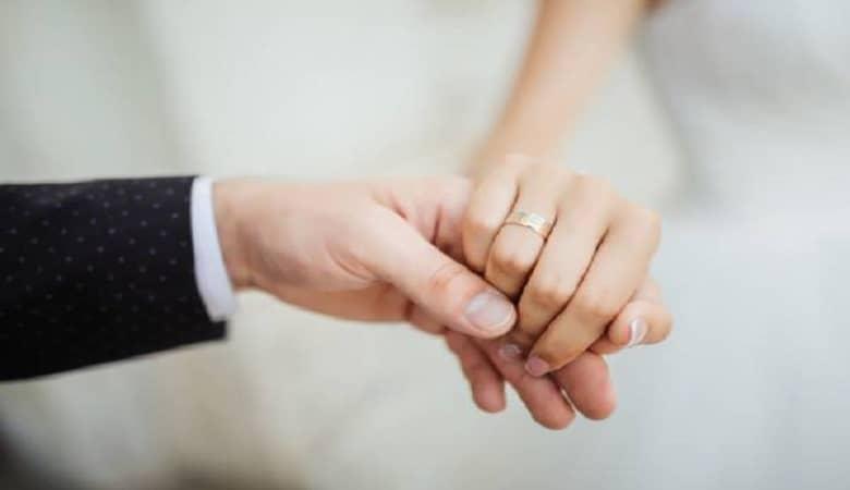 بررسی احساس شادی و خوشبختی در مجردها و متاهل ها