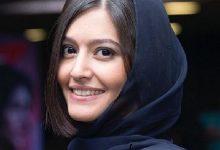 پردیس احمدیه با گل حجاب کرد.