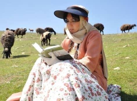 لیلا بلوکات به روستا رفت