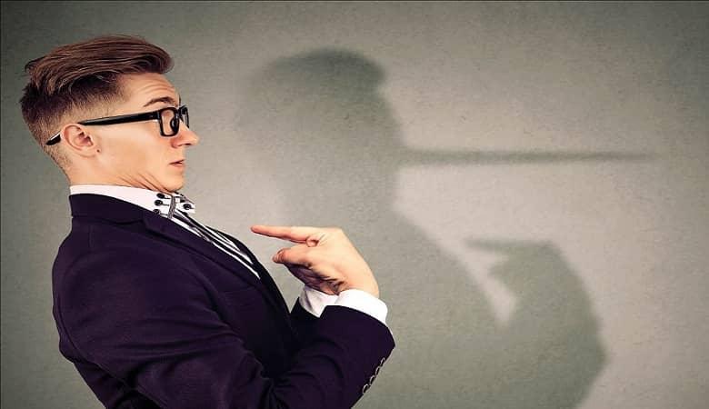 راه کارهایی برای تشخیص دروغگو بودن فرد مقابل